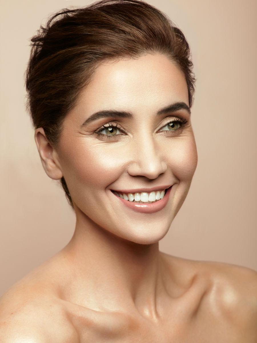 Jen Bronzed Beauty